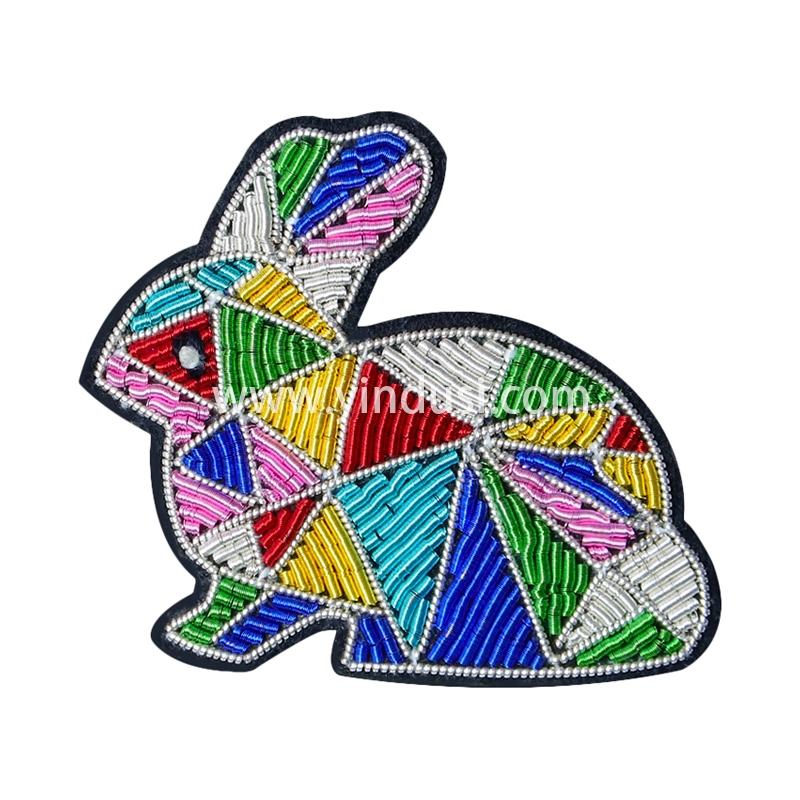 印度丝徽章定制手工刺绣积木兔子卡通胸针男女高档配饰