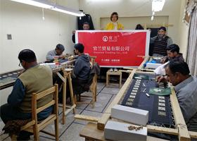 印度巴基斯坦自建工厂展示图承接各种徽章布贴胸针织带军用品配件