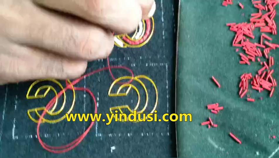 嘉诺丝原创设计印度丝字母胸针纯手工刺绣字母C视频教程