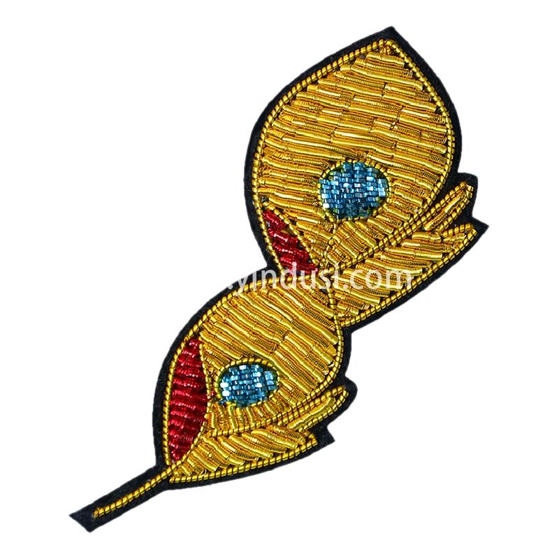 手工刺绣胸花简约金孔雀羽毛卡通胸针高档女配饰印度丝徽章