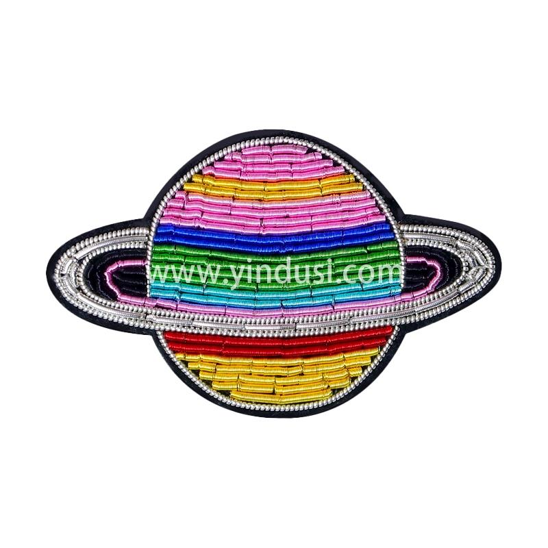 印度丝手工刺绣徽章创意太空冥王星木星精致西装胸针潮