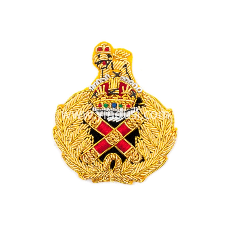金狮红十字手工刺绣印度丝徽章胸针高档配饰胸花工厂定制订做