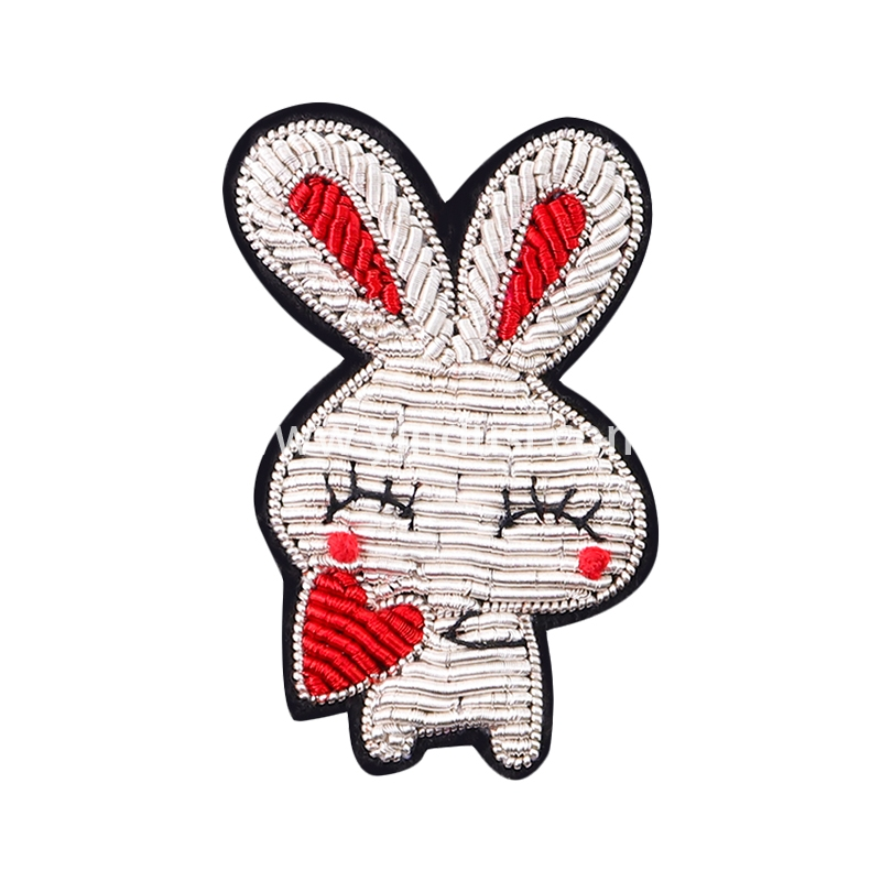 印度丝手工刺绣胸花衣服领针装饰品创意可爱百搭爱心兔子胸针 女