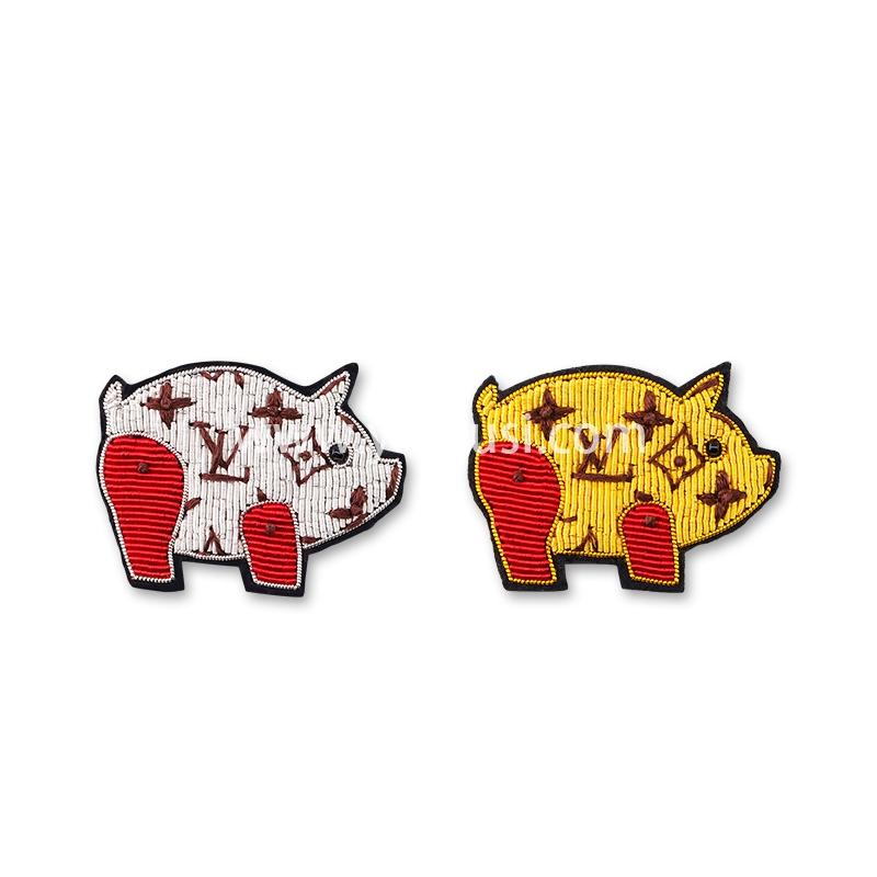 法国设计精致胸针女创意趣味卡通可爱小猪印度丝手工刺绣徽章配饰