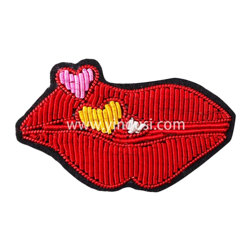 刺绣胸针别针男女衣服包包配饰品简约创意爱心红唇印度丝手工徽章