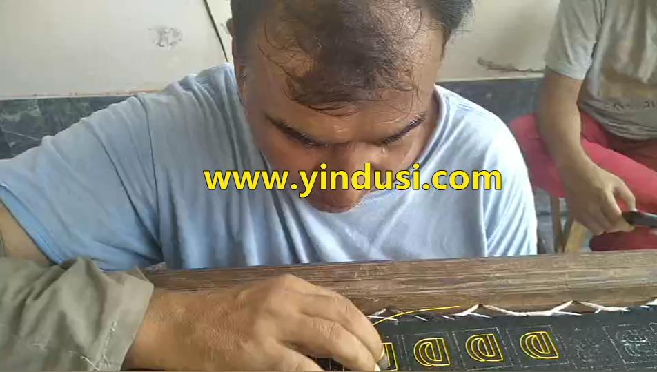 印度丝徽章定制手工刺绣胸针字母D硬丝包边刺绣视频教程