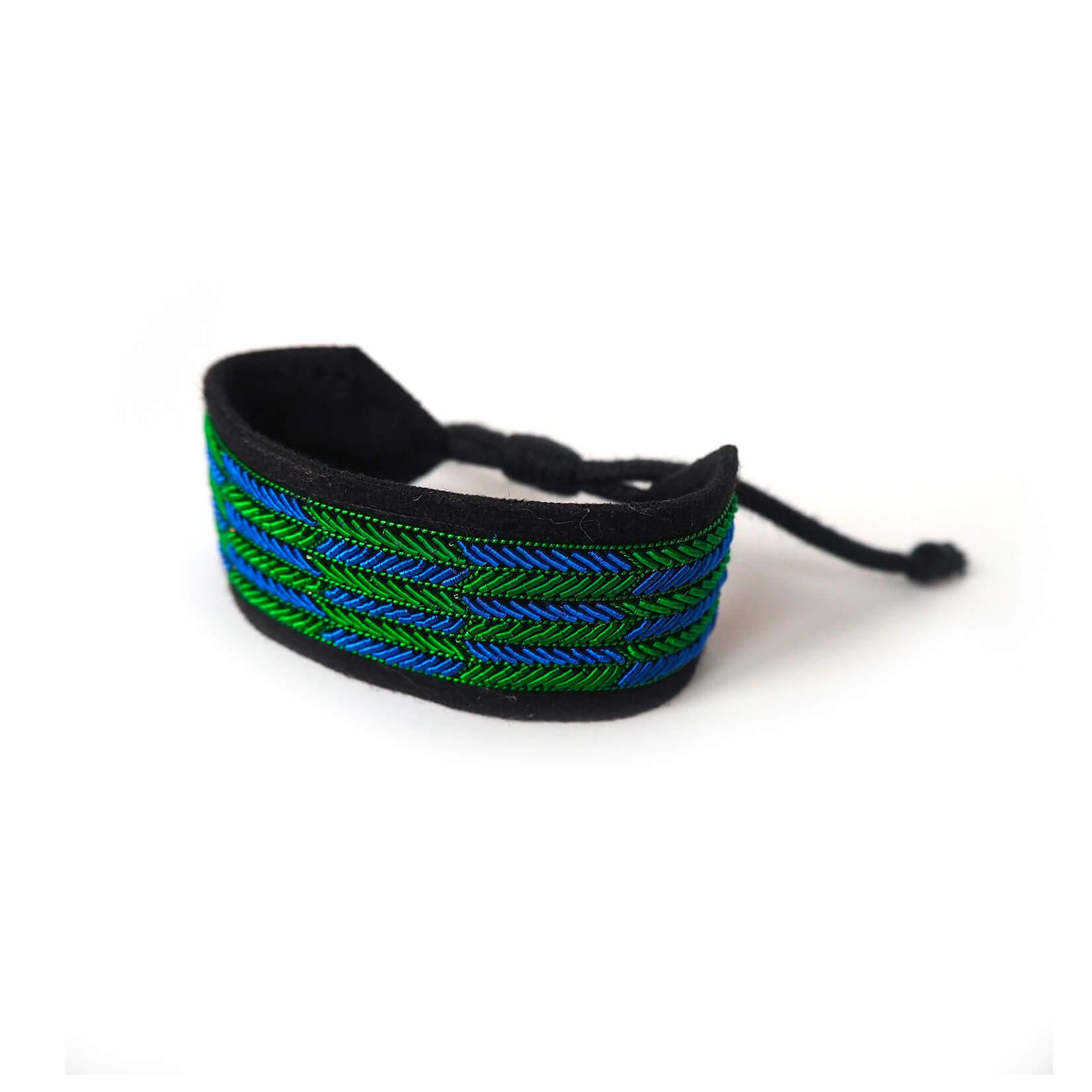 印度丝手工刺绣腕带手链,们的手链是拉普兰因纽特人的成就的结晶。