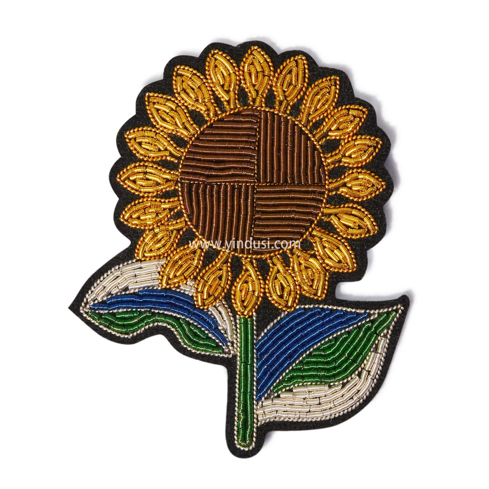 印度丝徽章工厂手工刺绣创意卡通向日葵胸针定制,跟随太阳。
