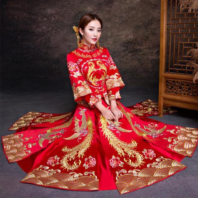 """除了传统的龙凤褂跟秀禾服,原来马来褂也可以这么美!我们极具""""中国文化""""的传统婚服吧!"""
