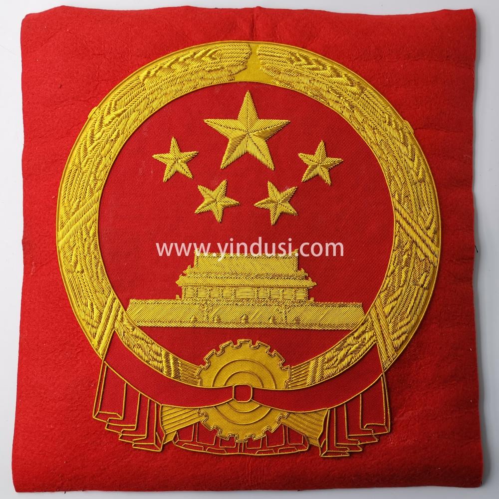 印度丝手工刺绣徽章定制工厂中国china五星国徽徽章定做高端大牌布贴