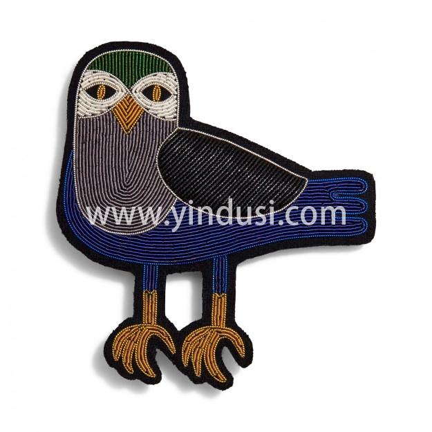 印度丝手工刺绣徽章创意卡通夜鸟胸针配饰别针固定衣服鞋包装饰,它会在黑暗中引导您。