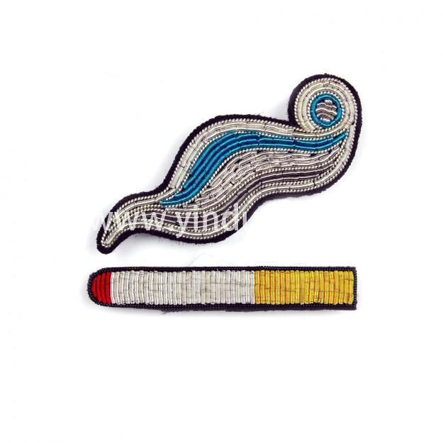 印度丝手工刺绣香烟胸针定做金属丝徽章工厂,胸针经过精心设计和绣花,是优雅的基本配饰...