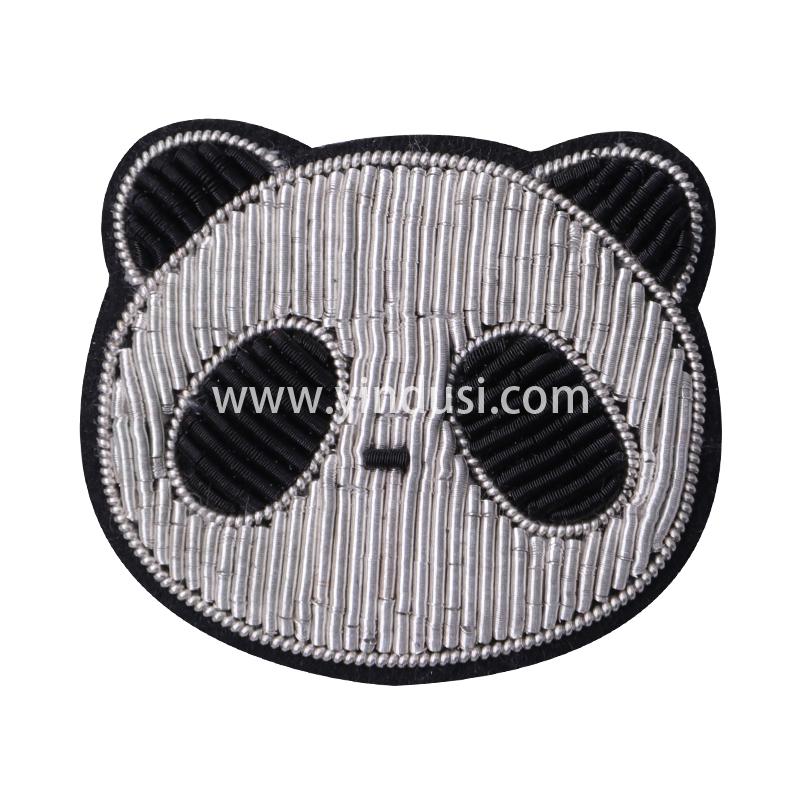 印度丝徽章定制工厂金属丝手工刺绣可爱熊猫头胸针定做时尚包包衣服饰品