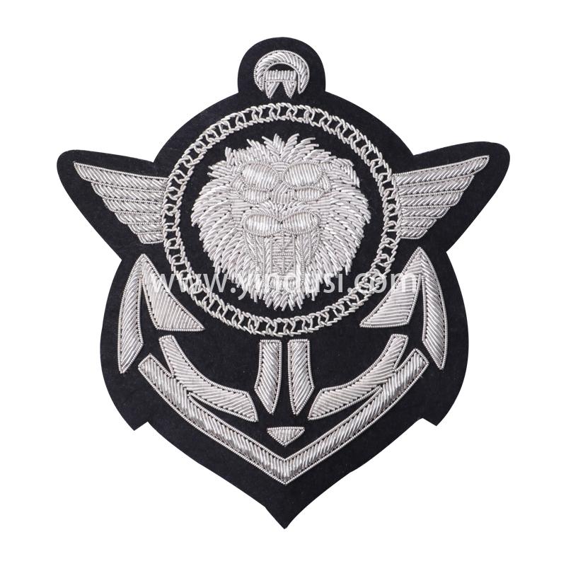 印度丝徽章定制工厂金属丝手工刺绣狮子盾高端徽章布贴定做衣服包包饰品
