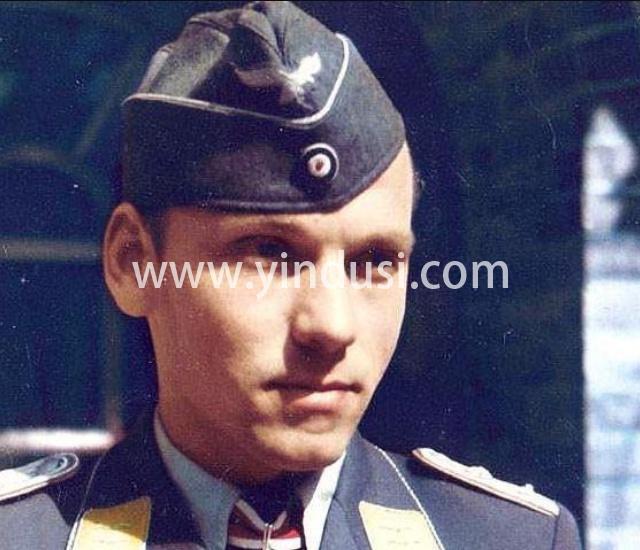 """二战时期,为何德国的军人喜欢把军帽戴歪?因为""""军令如山倒,命令不可违"""""""