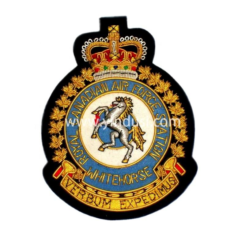 印度丝徽章定制工厂金属丝手工刺绣高端大牌徽章布贴英国军帽帽徽
