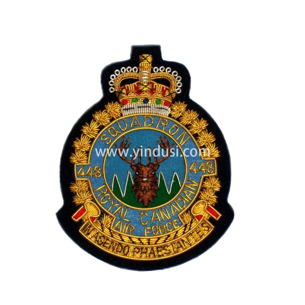 印度丝手工刺绣徽章定制工厂金属丝刺绣英国德国军帽帽徽胸章定做
