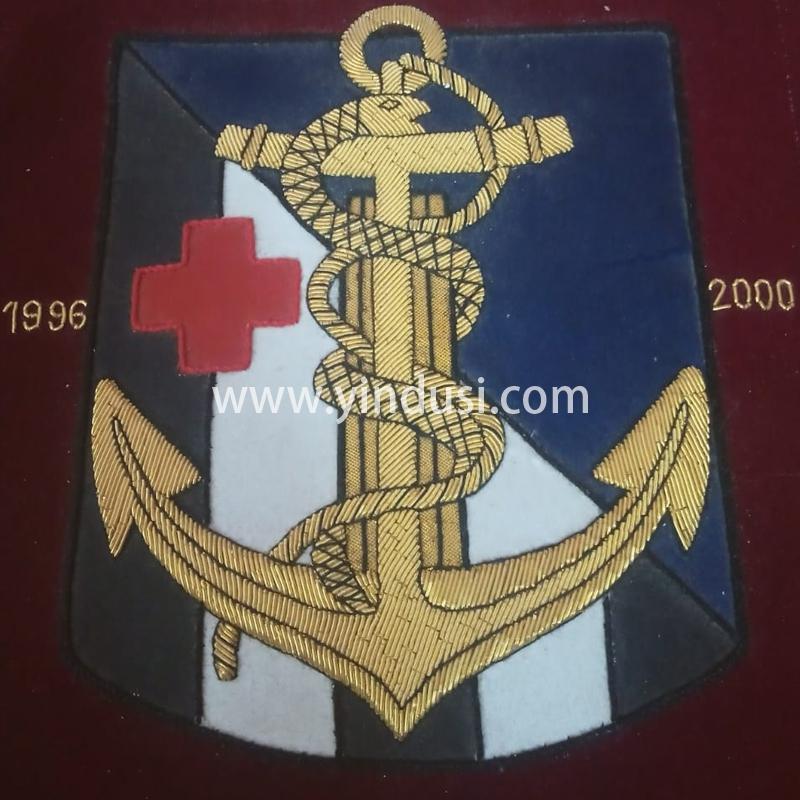 印度丝徽章工厂手工刺绣金属丝船锚大徽章定制高级品牌医疗徽章定做