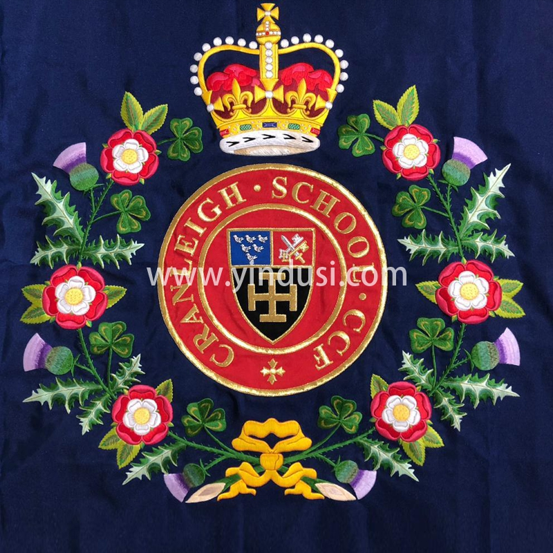 印度丝徽章工厂手工刺绣大皇冠花瓣徽章定制高级服饰品牌布贴定做