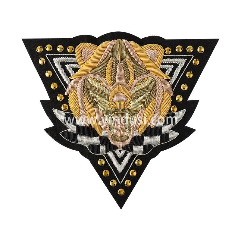 印度丝手工刺绣徽章定制工厂金属丝高端大牌服饰布贴衣服装饰定制