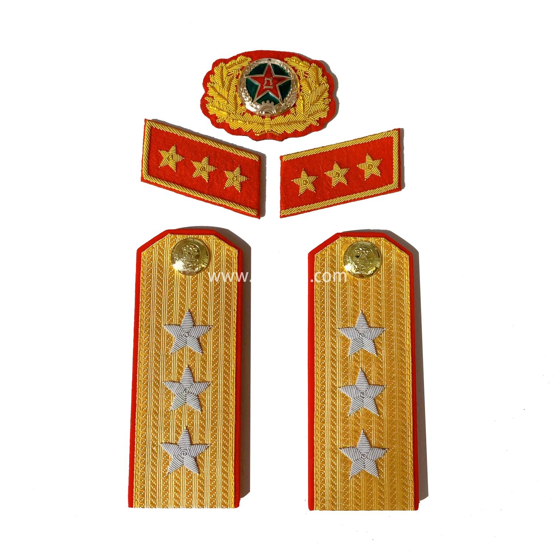 苏联上将肩章印度金属丝手工刺绣金销绣满底金正红边55式常松枝纪念章